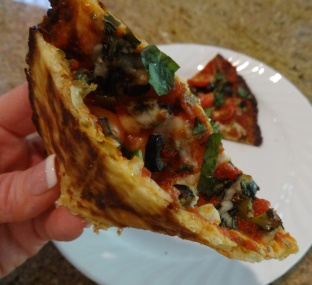 cauliflower-crust-pizza-folded_
